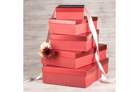 Dárek Dárková krabice Lukáš, červená, vzor srdíčka velikosti krabice Lukáš: 1 - 31x21x9 cm obdélníkové